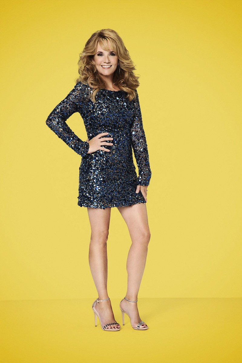 lea thompson interview i have to remind myself dancing the lea thompson interview i have to remind myself dancing the stars is not life or death smashing interviews magazine